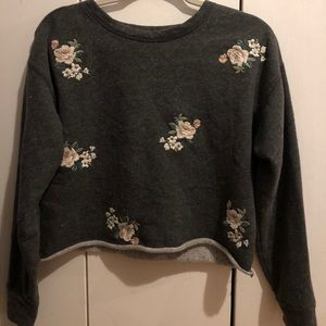 Gray Floral Cropped Abercrombie Sweatshirt